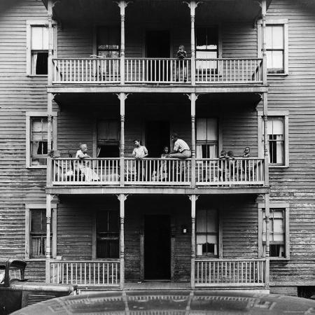 gordon-parks-family-on-balcony-of-apartment-building