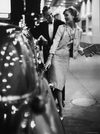 gordon-parks-woman-wearing-daridow-copy-of-chanel-evening-suit