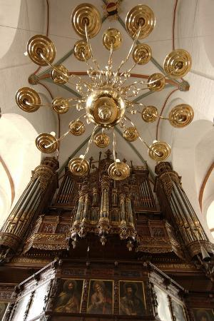 gothic-style-organ-1466-in-jacobikirche-st-james-s-church