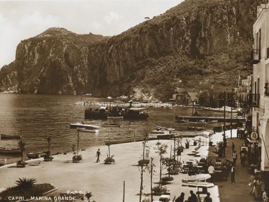 grand-harbour-marina-island-of-capri