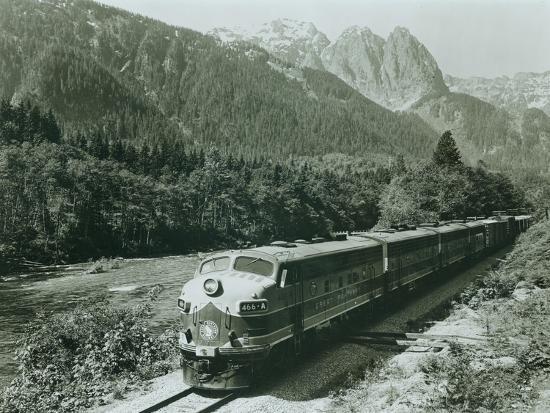 great-northern-on-the-skykomish-circa-1955