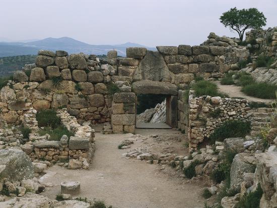 greece-peloponnese-archaeological-site-of-mycenae-lion-gate-interior