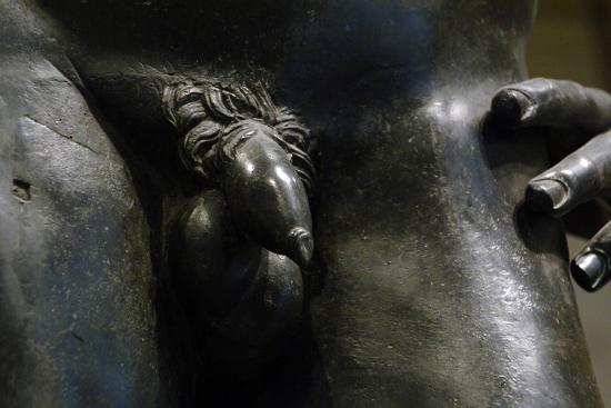 greek-art-hellenistic-bronze-male-statue-2nd-or-1st-century-b-c-metropolitan-museum-of-art