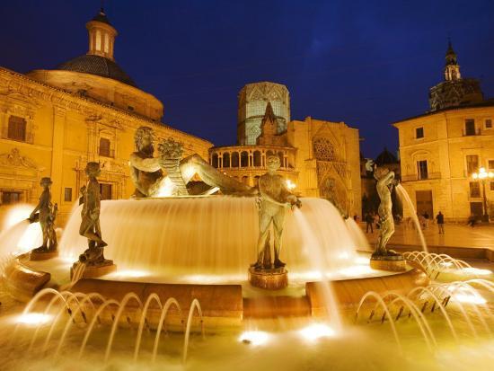 greg-elms-turia-fountain-plaza-del-la-virgen-centro-historico-valencia-spain