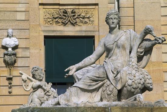 group-sculpture-at-chateau-of-vaux-le-vicomte-1656-1661