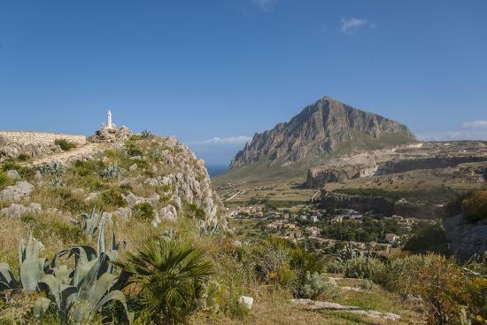 guido-cozzi-view-of-custonaci-and-monte-cofano