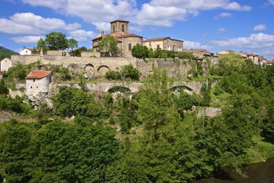 guy-thouvenin-perched-medieval-village-haute-loire
