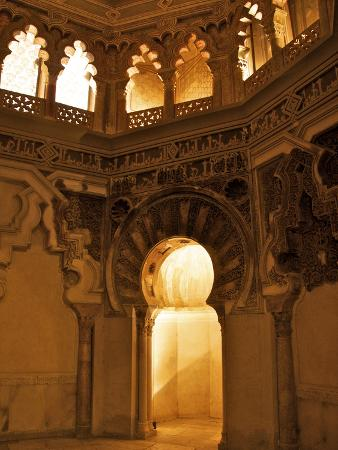 guy-thouvenin-the-musallah-private-oratory-with-mihrab-aljaferia-palace-saragossa-zaragoza-spain
