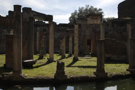 hadrian-s-villa-maritime-theatre-2nd-century-italy
