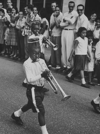 hank-walker-young-boys-playing-trumpets-in-a-parade