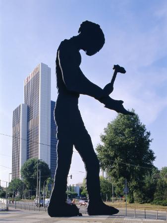hans-peter-merten-hammering-man-sculpture-frankfurt-germany-europe