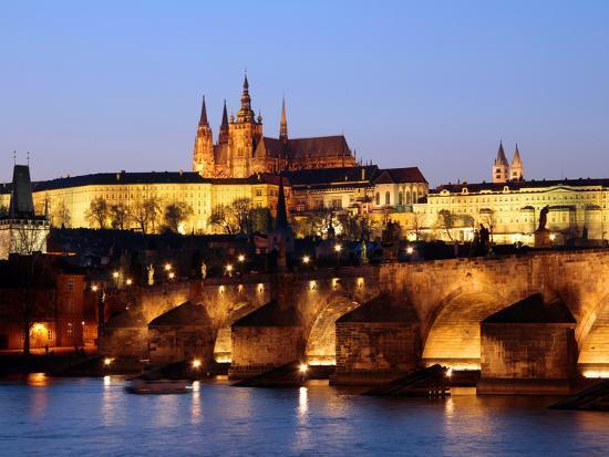 hans-peter-merten-prague-castle-on-the-skyline-and-the-charles-bridge-over-the-river-vltava-unesco-world-heritage-si