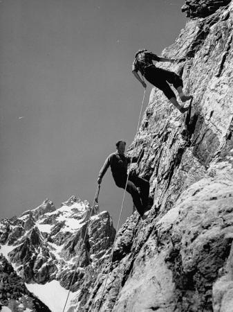 hansel-mieth-people-climbing-the-teton-mountains