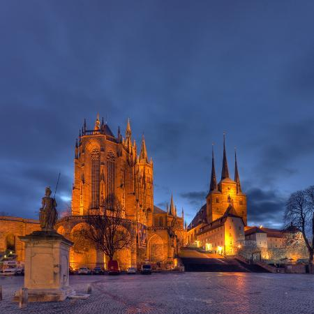 harald-schshn-germany-thuringia-erfurt-domplatz-severichurch-st-mary-s-cathedral-monument-lighting-dusk