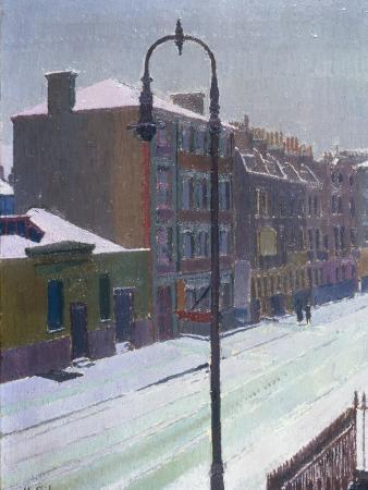 harold-gilman-a-london-street-in-snow-1917