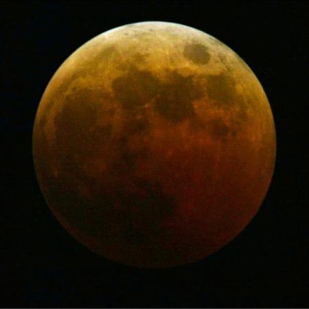 harry-cabluck-lunar-eclipse
