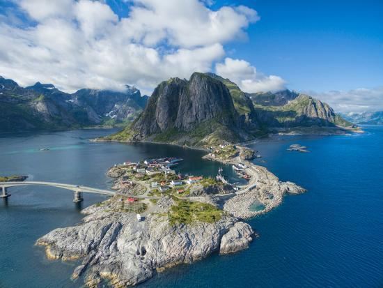 harvepino-scenic-aerial-view-of-fishing-village-hamnoya-on-lofoten-islands-in-norway