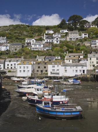 hazel-stuart-boats-in-polperro-harbour-at-low-tide-cornwall-england-united-kingdom-europe