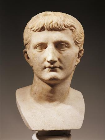 head-of-emperor-caligula