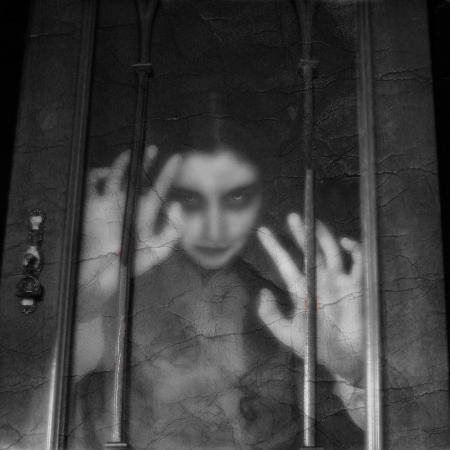 helena-marroqui-vampire-in-b