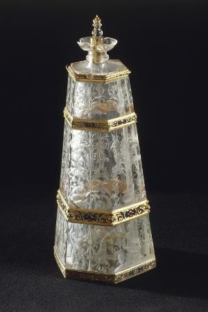 hexagonal-rock-crystal-enameled-gold-gilt-silver-flask-16th-century