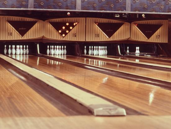 highly-polished-bowling-lanes