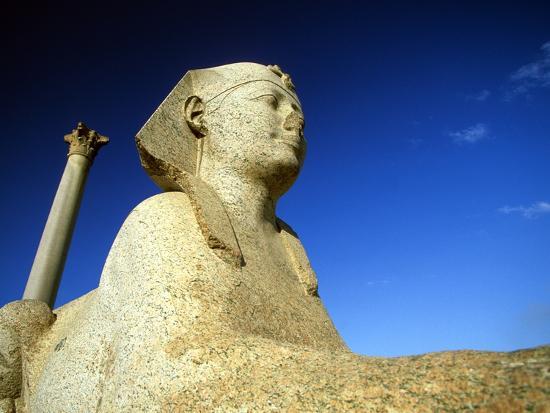 hisham-ibrahim-pompey-s-pillar-and-sphinx