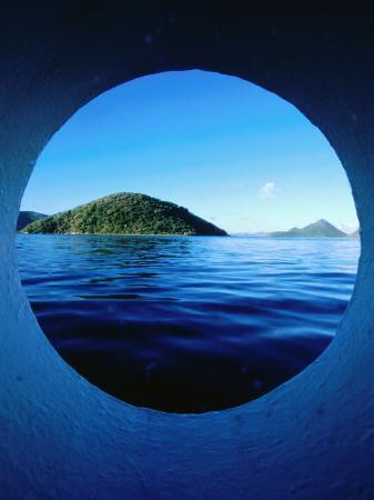 holger-leue-islands-seem-from-star-clipper-porthole-tortola