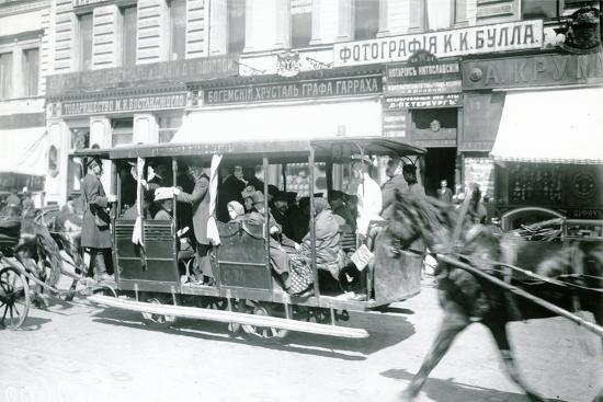 horse-drawn-tram-in-st-petersburg-1900s