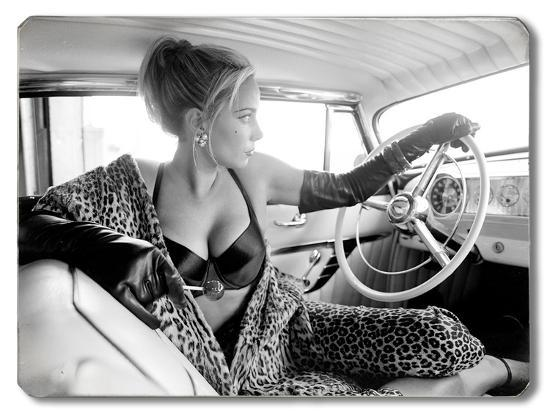 hot-rod-leopard-pin-up-girl
