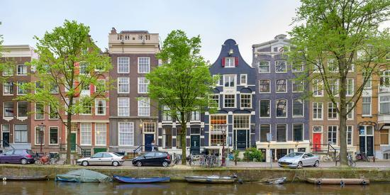 houses-on-the-brouwersgracht-amsterdam-north-holland-netherlands