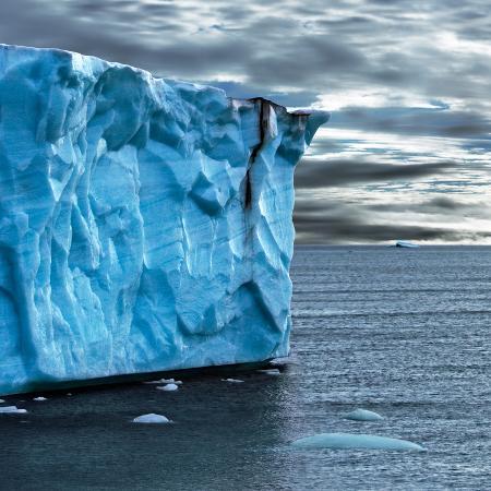 howard-ruby-glacial-edge