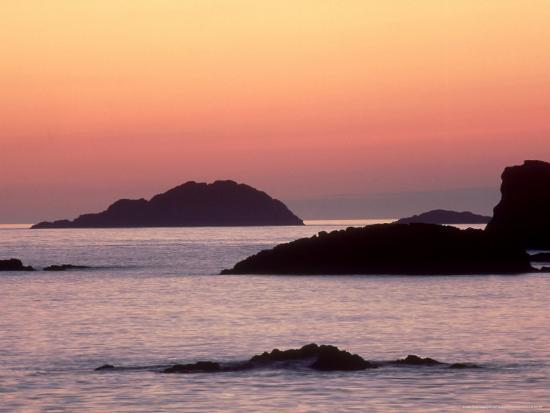 iain-sarjeant-sunset-from-west-coast-of-isle-of-iona-scotland