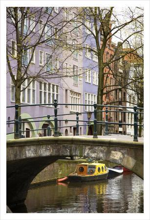 igor-maloratsky-boat-under-the-bridge-amsterdam