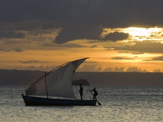 inaki-relanzon-fishing-boat-at-dawn-ramena-beach-diego-suarez-in-north-madagascar