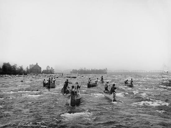 indians-fishing-in-the-rapids-sault-ste-marie-michigan-c-1900