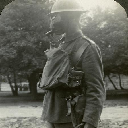 infantry-fitted-with-the-latest-gas-marks-and-steel-helmets-world-war-i-1915-1918