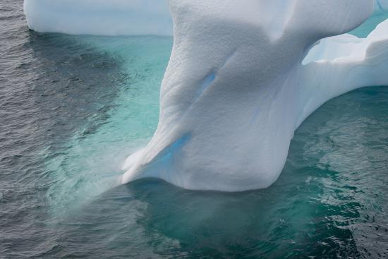 inger-hogstrom-antarctica-argentine-islands-unusually-shaped-iceberg