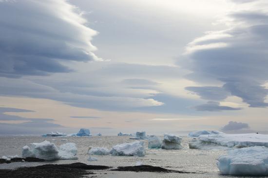 inger-hogstrom-antarctica-brown-bluff-lenticular-clouds-show-katabatic-winds