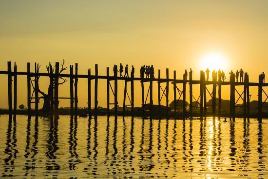 inger-hogstrom-myanmar-mandalay-amarapura-u-bein-bridge-at-sunset