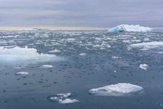 inger-hogstrom-norway-nordaustlandet-island-brasvelbreen-brash-ice-in-the-water