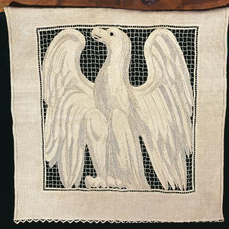 insert-with-eagle-in-needle-lace-curtain-embroidered-in-venice-stitch