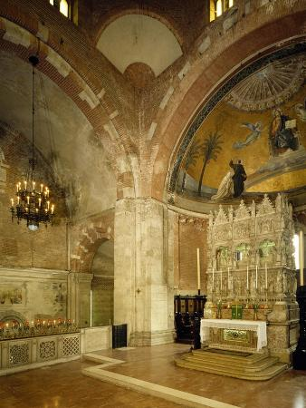 inside-and-high-altar-st-peter-in-golden-sky-church-pavia-italy-8th-12th-century