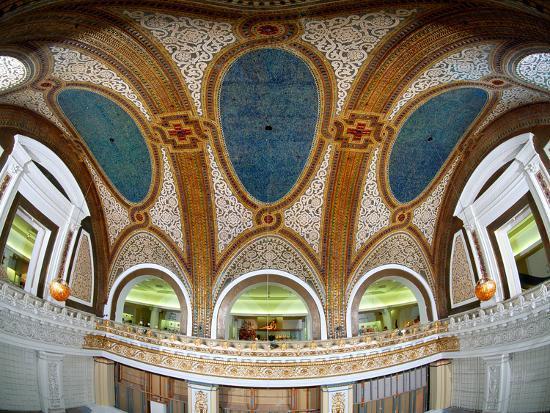 interior-detail-of-tiffany-dome-marshall-field-and-company-building-chicago-illinois-usa