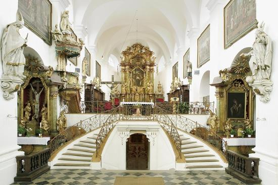 interior-of-the-romanesque-basilica-of-st-wenceslas-founded-in-1039-by-bretislaus-i