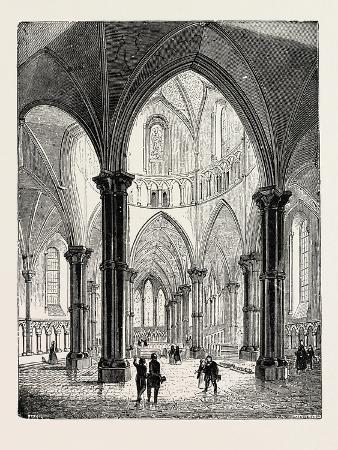 interior-of-the-temple-church-in-london