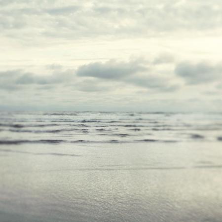 irene-suchocki-morning-tide