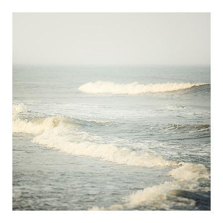 irene-suchocki-the-sound-of-waves