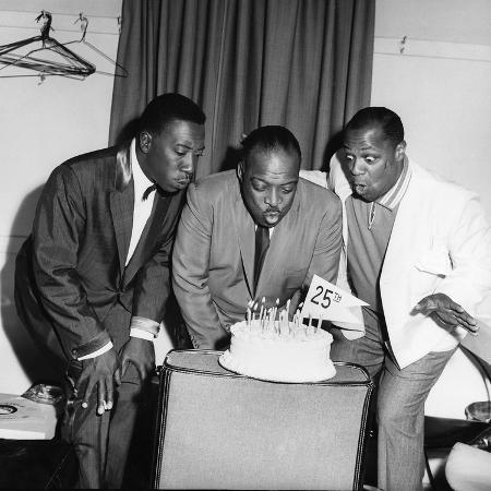 issac-sutton-count-basie-joe-williams-and-george-kirby-1960