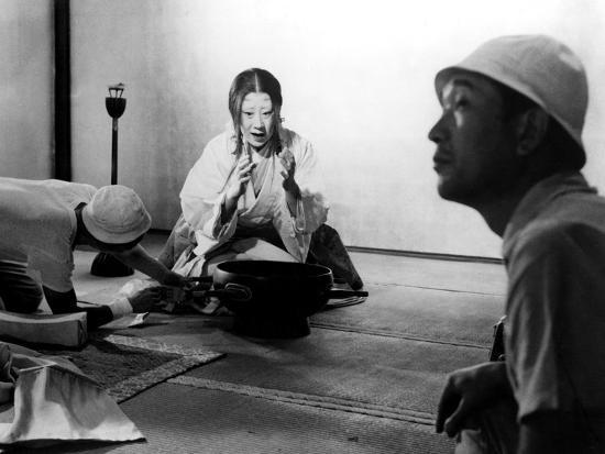 isuzu-yamada-director-akira-kurosawa-on-the-set-of-throne-of-blood-aka-kumonosu-jo-1957